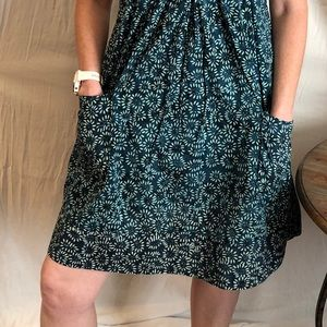 Dresses & Skirts - Flowered dress with pockets by Go Fish company.